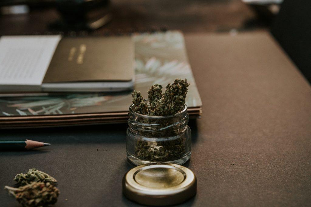 blur-bud-cannabis